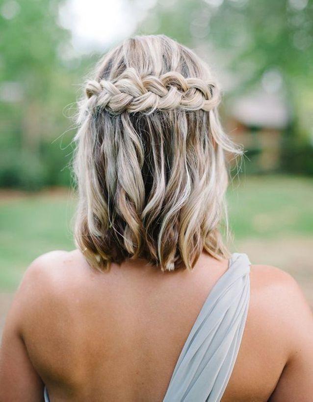 Coiffure demoiselle d'honneur cheveux carré