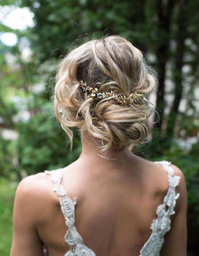 Coiffure demoiselle d'honneur cheveux fins