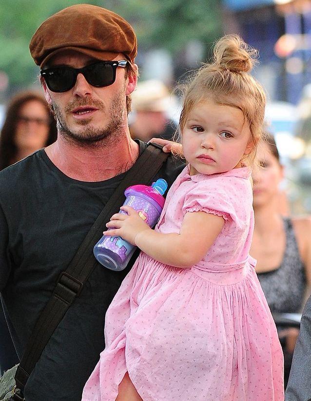Coiffure enfant : le chignon bun de Harper Beckham