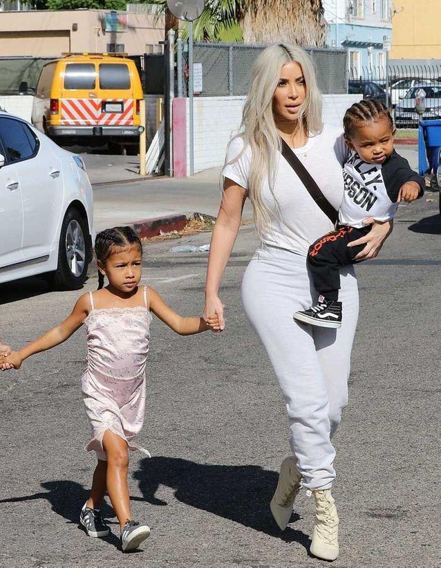 Les tresses collées de Saint et North, les enfants de Kim Kardashian