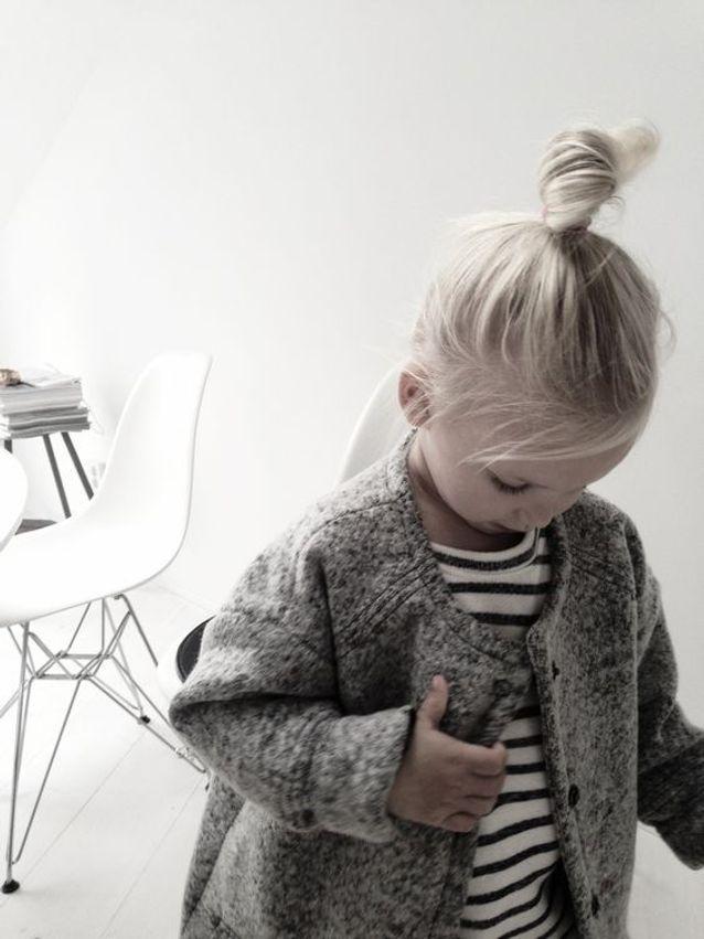 Coiffure petite fille blonde