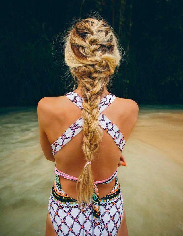 Coiffure tressée cheveux longs