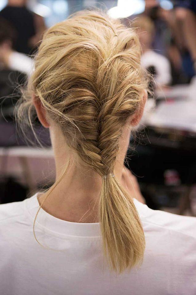Coiffure cheveux mi longs blonds automne hiver 2018