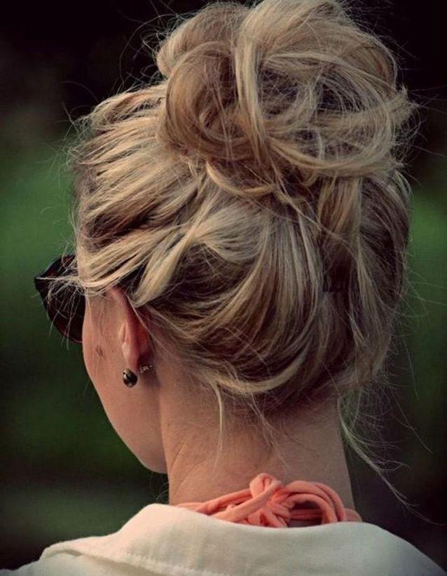 Coiffure pour cheveux mi-longs et bouclés automne-hiver 2016