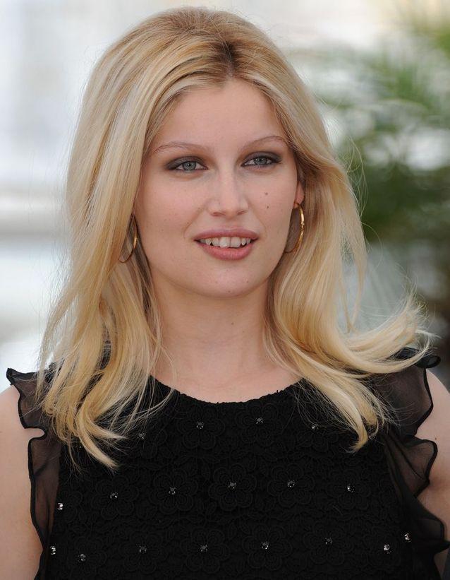 Après : Laetitia Casta blonde