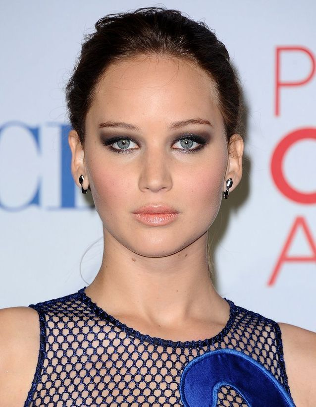 Avant : Jennifer Lawrence châtain
