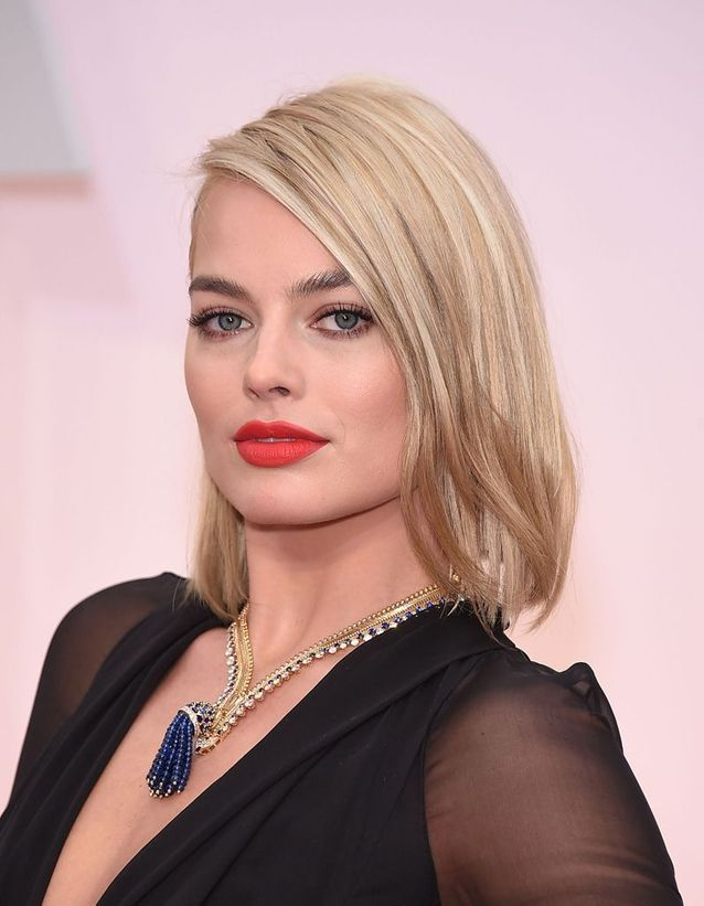 Avant : Margot Robbie blonde
