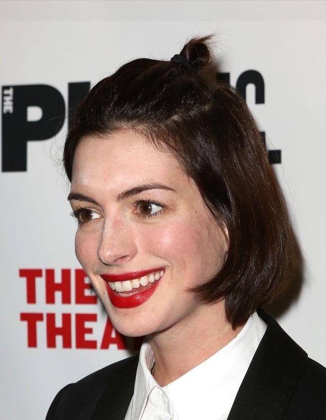 Le half bun d'Anne Hathaway