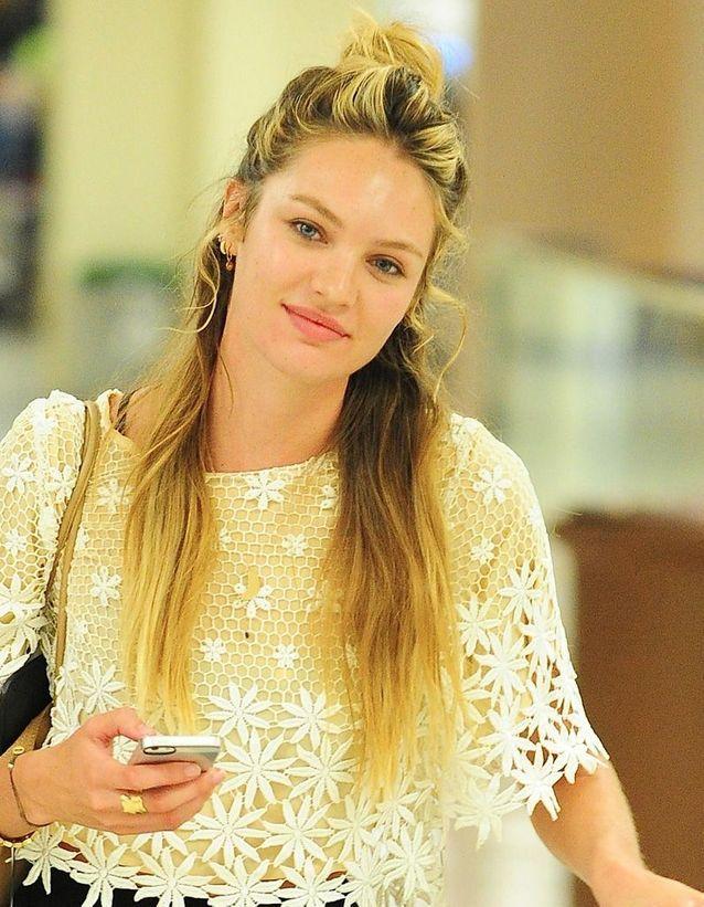 Le half bun de Candice Swanepoel
