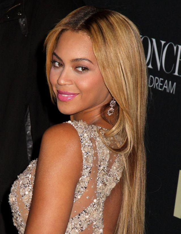 Beyoncé et ses longs cheveux blonds