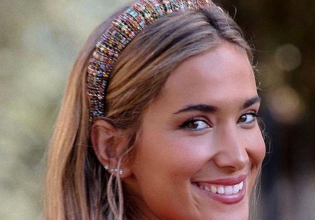 Le padded headband : zoom sur ce serre-tête rembourré que l'on voit partout
