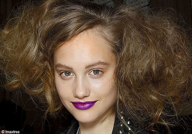 Les coiffures printemps-été 2010 des défilés londoniens
