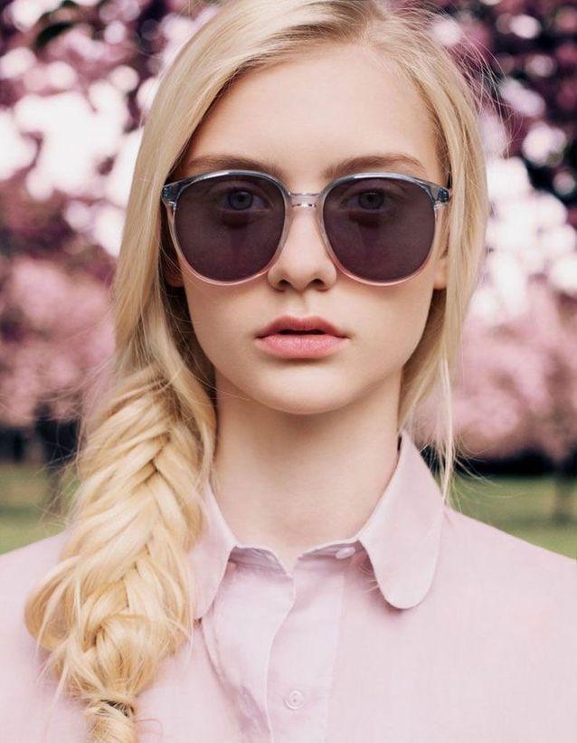 Coiffure visage rond avec lunettes