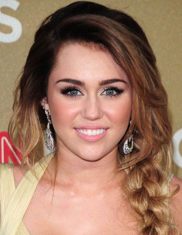 La tresse glamour de Miley Cyrus