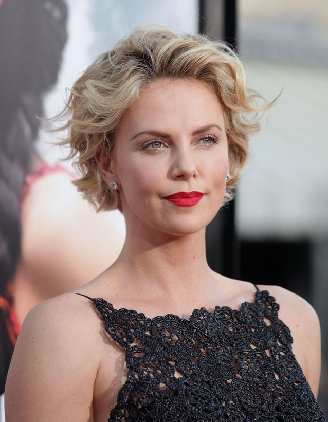 Charlize Theron en blonde