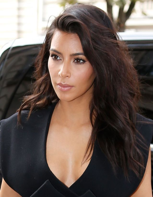 Kim Kardashian en brune