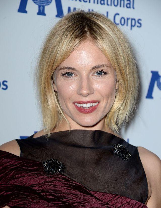 Sienna Miller en blonde