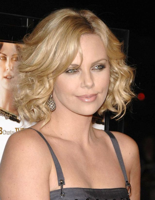 Buttery blonde : Charlize Theron