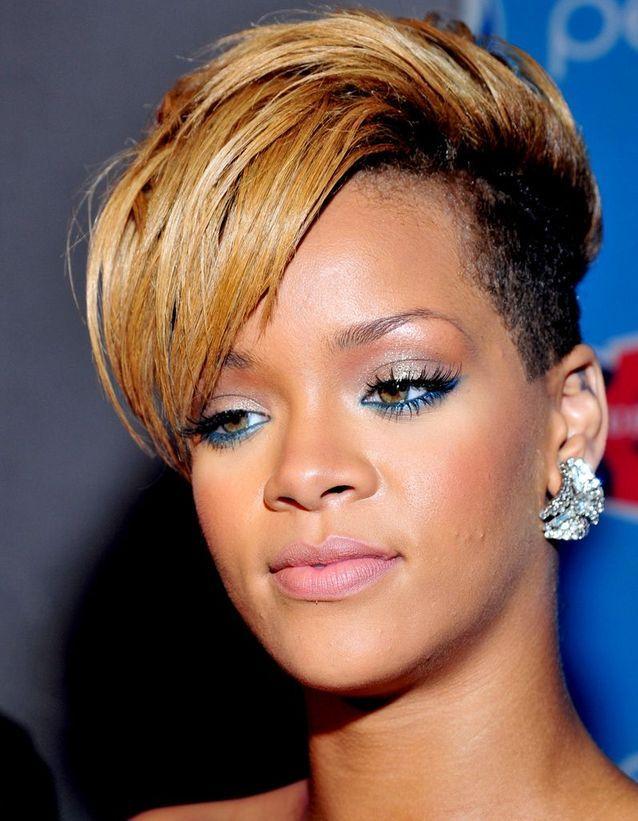 Les Cheveux Châtain Clair De Rihanna