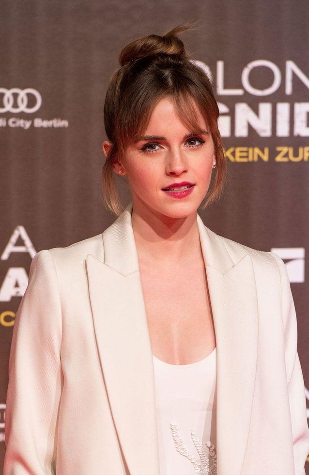 Emma Watson et sa frange sur le côté dégradée