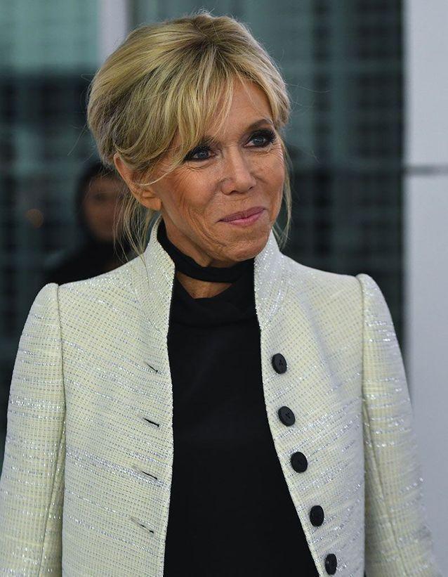 1) Le chignon de Brigitte Macron