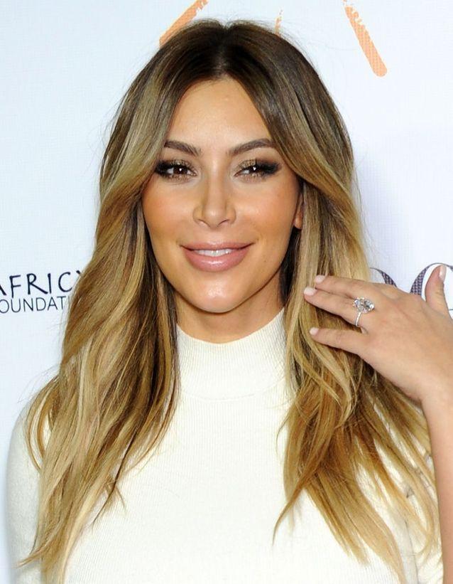 Kim Kardashian cheveux ombrés en octobre 2013