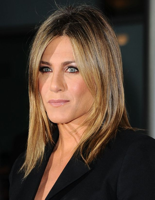 Le Carre Long Dore De Jennifer Aniston En 2014 L Evolution Coiffure De Jennifer Aniston Elle