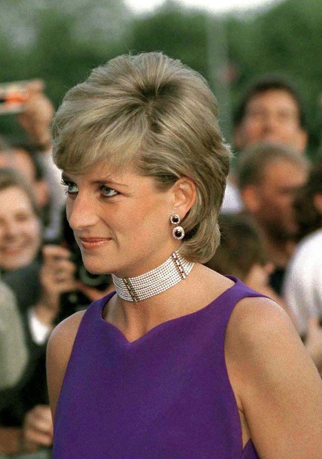 Diana et sa pixie cut longue