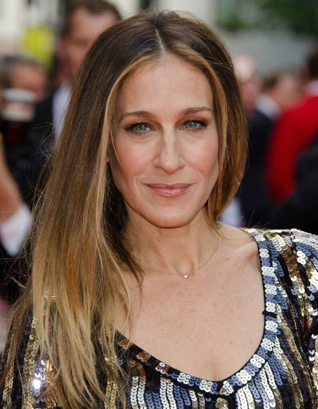 Sarah Jessica Parker blonde with a long hair gradient smoothed in June 2013