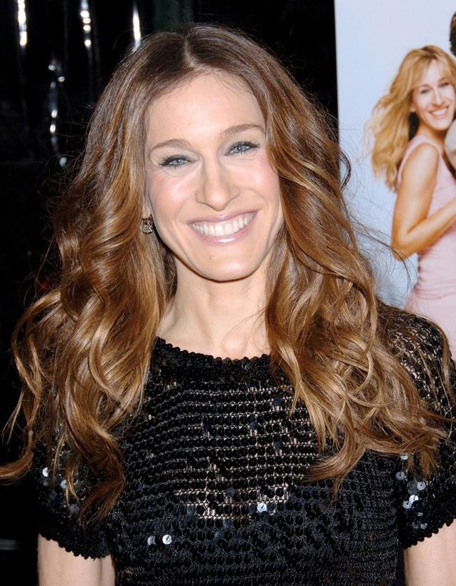 Sarah Jessica Parker Curly Brown Hair in March 2006