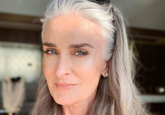 10 femmes de plus de 50 ans qui donnent envie d'avoir les cheveux gris