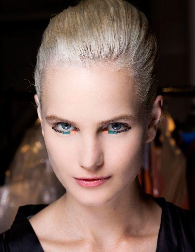 Cheveux blonds polaire