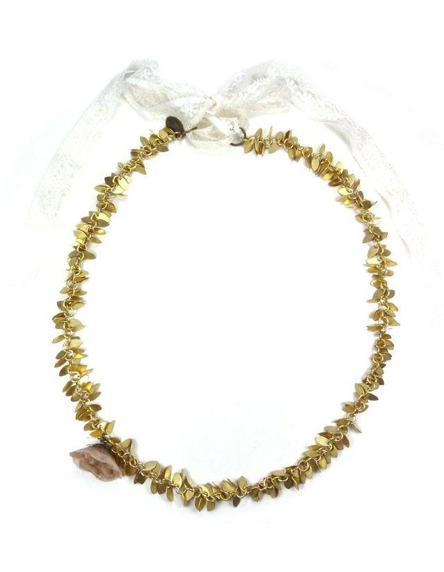 Le headband écaillé
