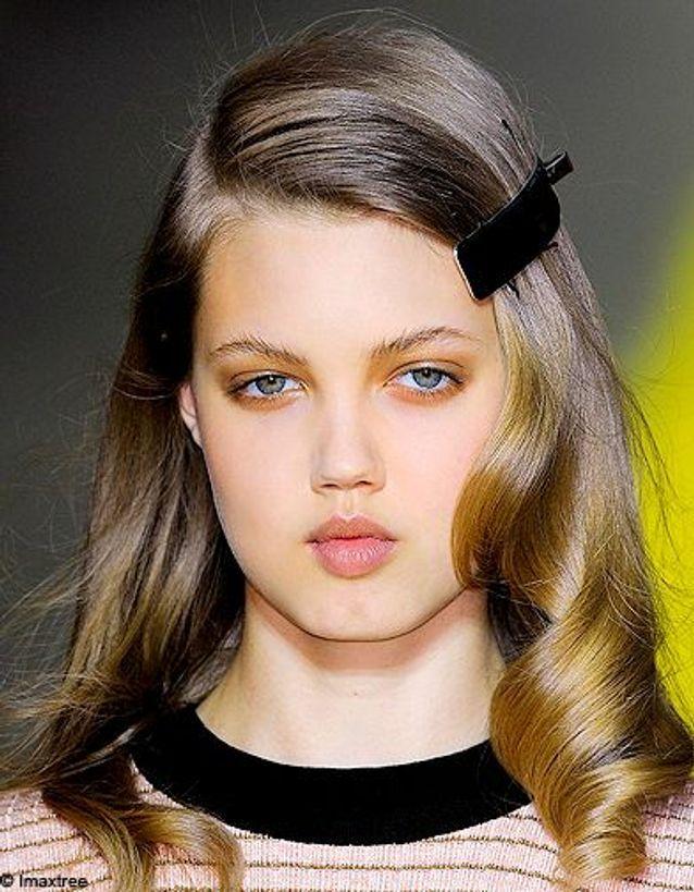 Accessoire cheveux défilé Sonia Rykiel