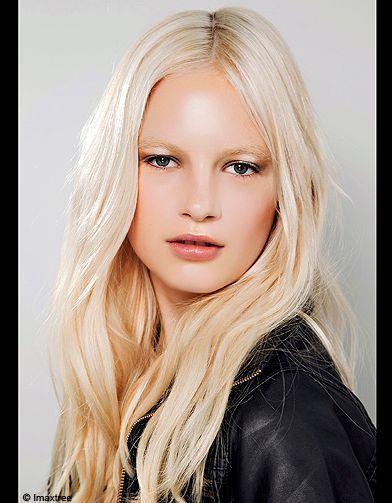 Blond polaire défilé Theyskens Theory