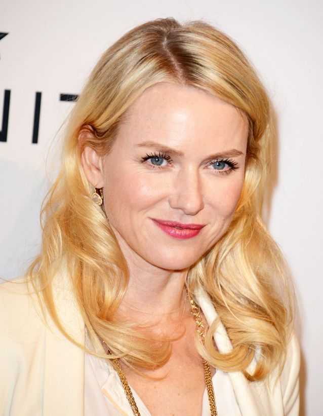 Le blond shiny de Naomi Watts