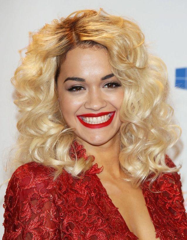 Le faux blond assumé de Rita Ora