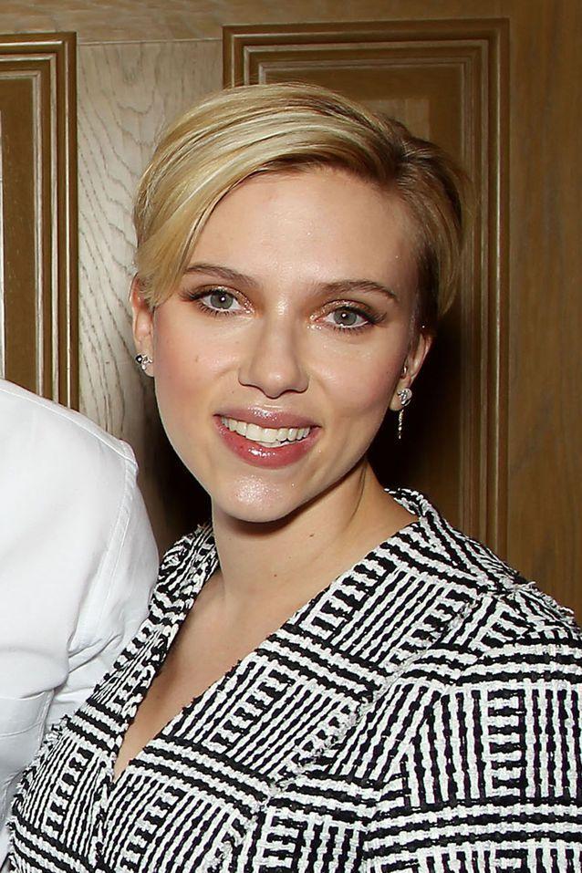 Scarlett Johansson : la coupe de la maternité