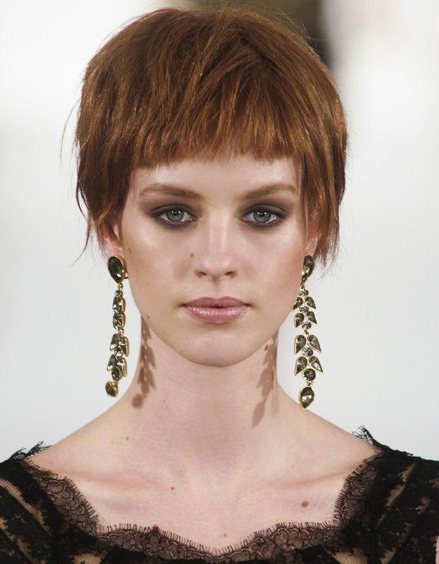 Frange courte cheveux courts
