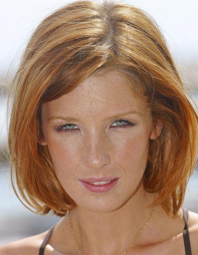 2005, « Les poupées russes », Kelly Reilly les cheveux ondulés