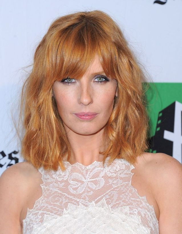 2012, Kelly Reilly avec un carré long frangé