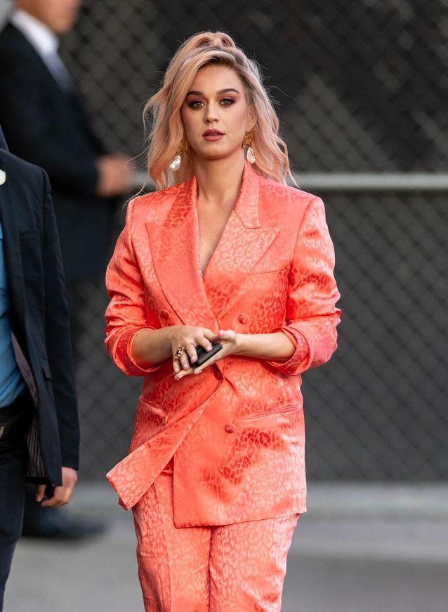 Les cheveux roses gold de Katy Perry