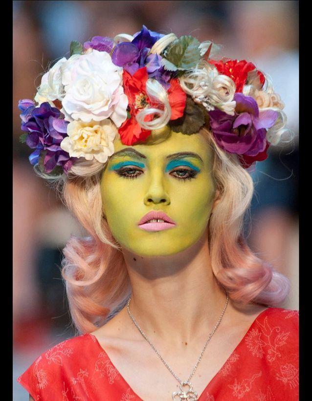 La couronne de fleurs de Vivienne Westwood Red Label
