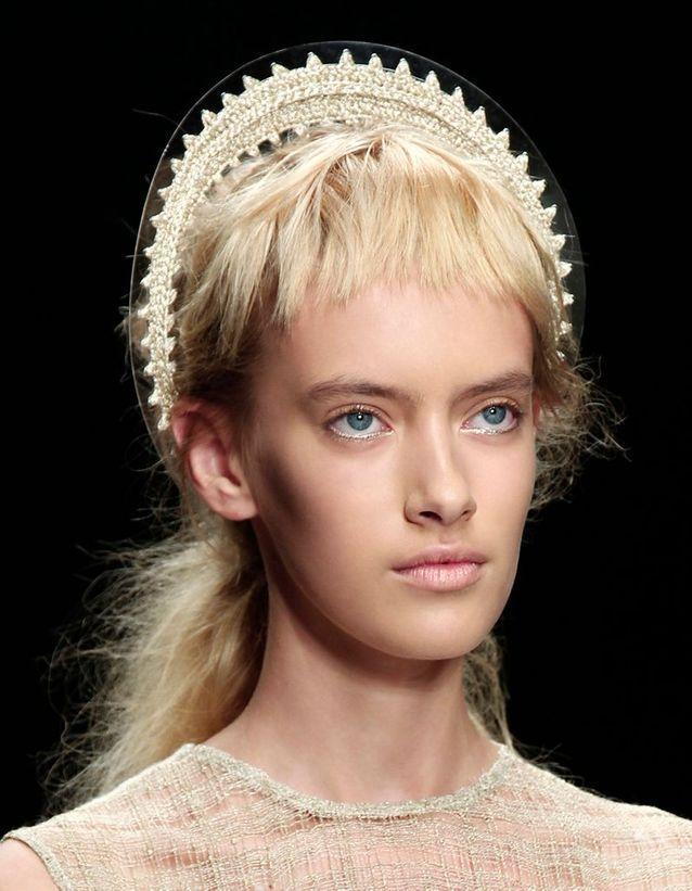 Le serre-tête auréole de Simone Rocha