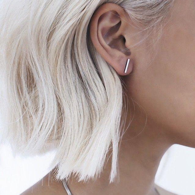 Cheveux blancs en carré