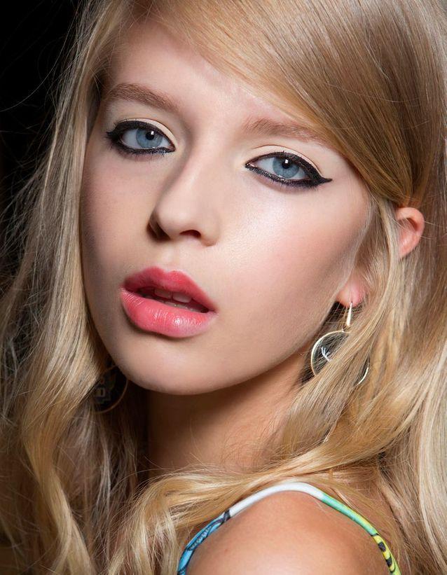Maquillage des yeux bleus eye-liner