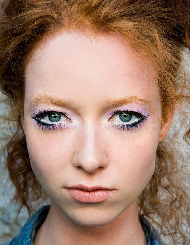 Maquillage des yeux bleus soutenu