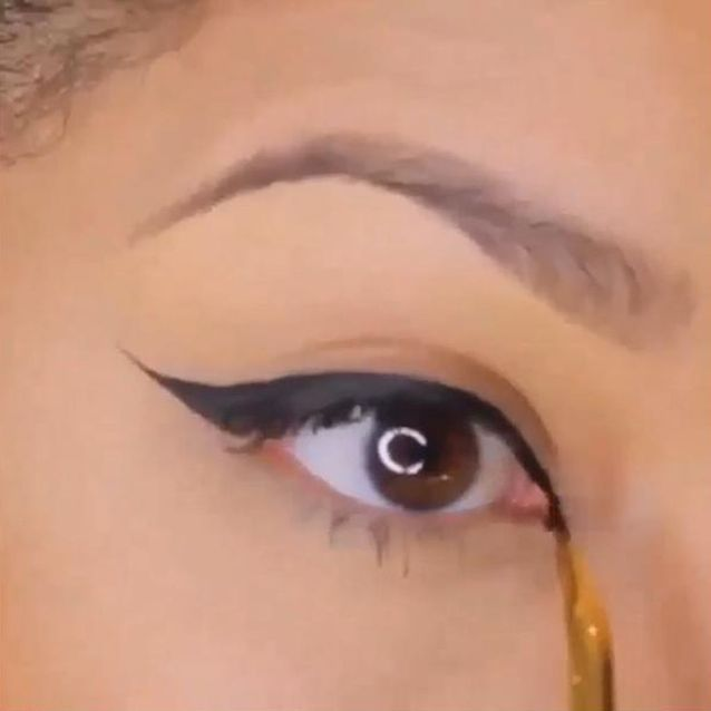 Le tuto maquillage eye-liner de @makeupdenise