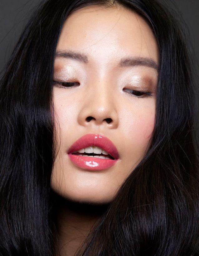 Changer de rouge à lèvres