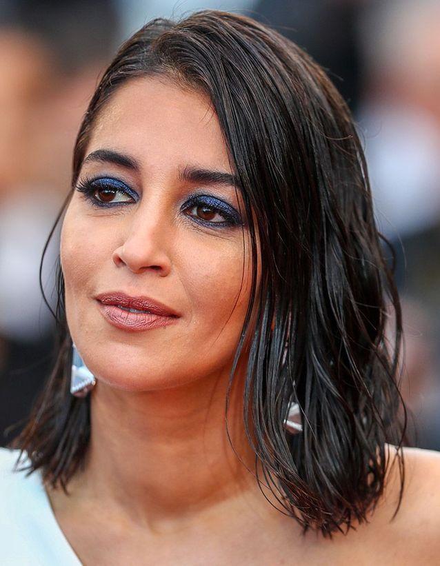 Le maquillage bleu irisé de Leila Bekhti